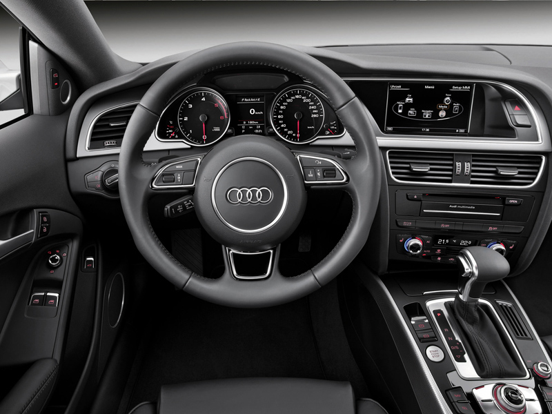 Audi A5 Coupe 2011 года фото салона