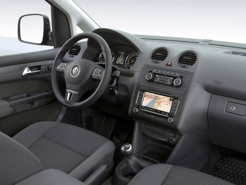 VW Caddy Maxi 2010 года фото салона