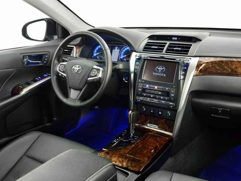 Toyota Camry 2014 года фото салона